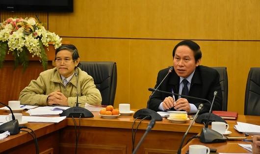 Thứ trưởng Bộ Tư pháp Lê Tiến Châu chủ trì cuộc họp thẩm định.