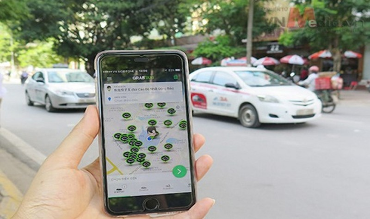 """Bộ Công an có ý kiến về việc thí điểm """"xe taxi công nghệ"""""""