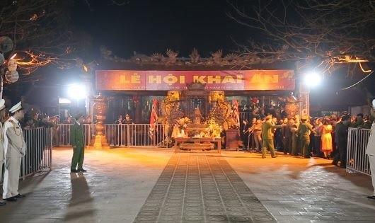 Toàn cảnh lễ khai ấn Đền Trần Nam Định