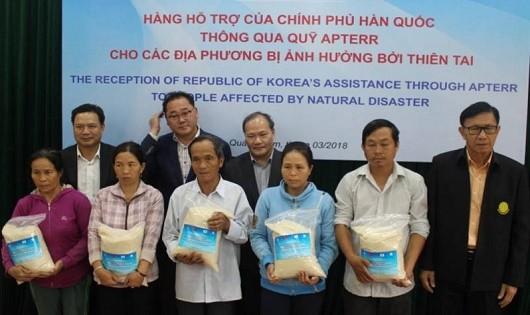 Hàn Quốc viện trợ 10.000 tấn gạo cho người dân bị thiên tai Việt Nam