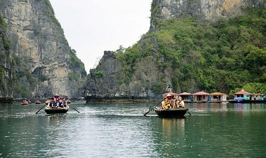 Du lịch rời làng chài Vông Viêng