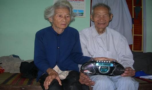 Hạnh phúc hôm nay của vợ chồng ông Huỳnh Ba.