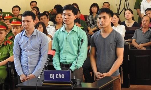 Hoãn phiên xử vụ sự cố y khoa làm 8 người chết ở Hòa Bình