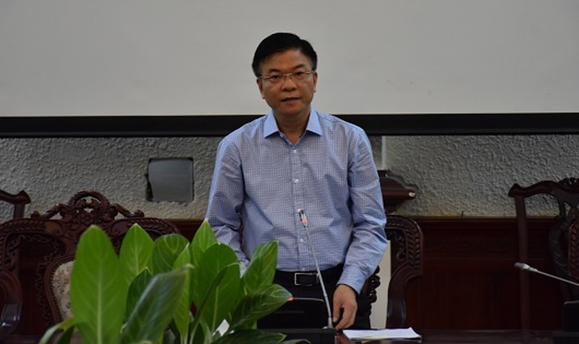 Bộ trưởng Lê Thành Long phát biểu tại buổi làm việc.