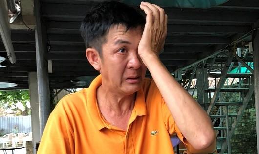 Giọt nước mắt uất ức của một người dân Long Hưng khi thuật lại sự việc bị lấy đất trái luật.