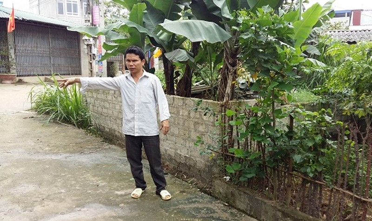 Trần Văn Tư diễn tả lại quả trình xảy ra vụ xô xát.