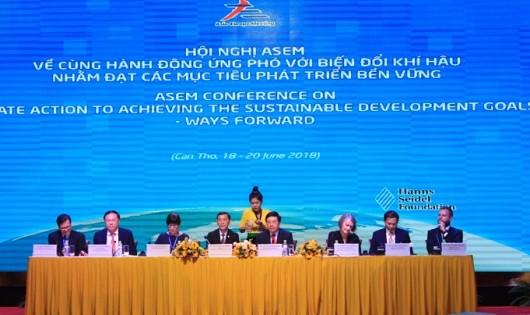 """Hội nghị ASEM về """"Cùng hành động ứng phó biến đổi khí hậu (BĐKH) nhằm đạt các mục tiêu phát triển bền vững – định hướng tương lai"""". (Ảnh: Báo Giao thông)"""