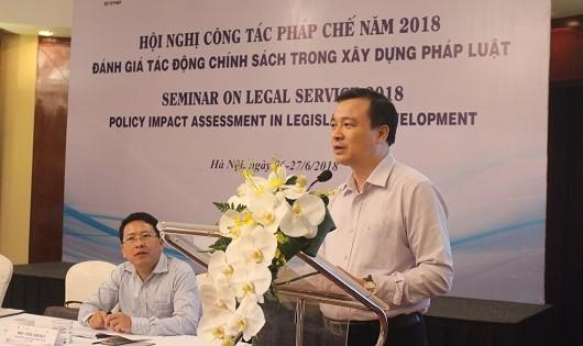 Vụ trưởng Nguyễn Hồng Tuyến phát biểu khai mạc Hội nghị.