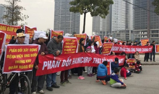Tình trạng tranh chấp diễn ra tại nhiều chung cư Hà Nội.