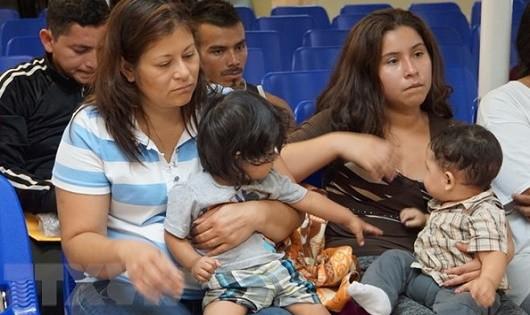 Mỹ-Mexico đã cam kết đoàn tụ các gia đình nhập cư bất hợp pháp.