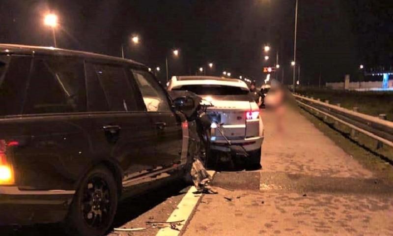 Hai xe Ranger Rover đâm nhau trên cao tốc Hà Nội - Hải Phòng tối 9/2