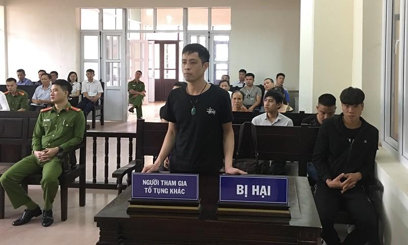 Anh Cường kêu oan và tố cáo cán bộ biên phòng tên Tài và kiểm sát viên tên Trung hành hung trong quá trình điều tra vụ án.