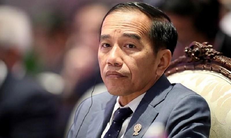 Tổng thống Indonesia Joko Widodo tiêm vắc-xin Covid-19 do Trung Quốc sản xuất