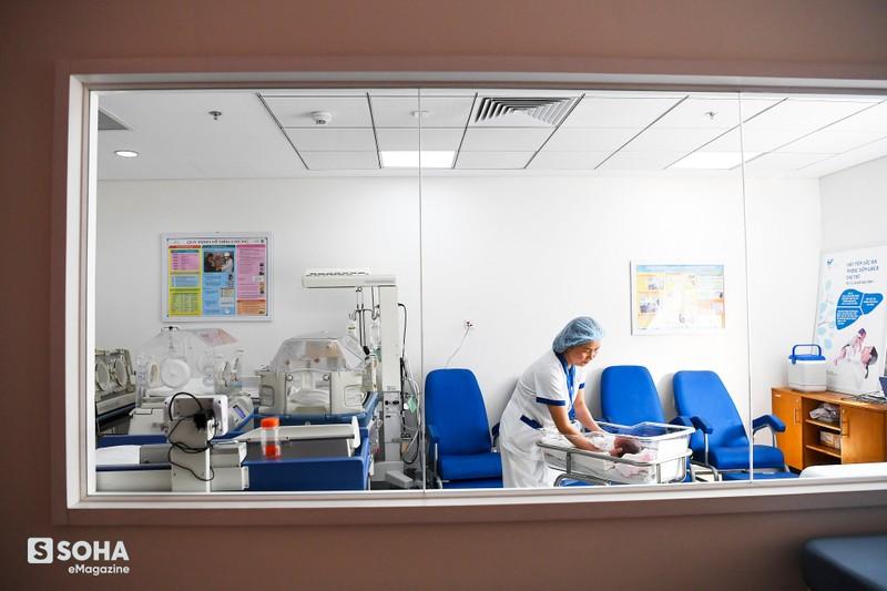 Nữ y tá Việt Nam và câu nói của phóng viên quốc tế: Tất cả những người phải thở máy không một ai sống sót! - Ảnh 16.
