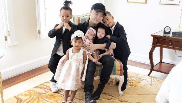 Ấm lòng NTK Đỗ Mạnh Cường nhận con nuôi thứ 8 là bé gái