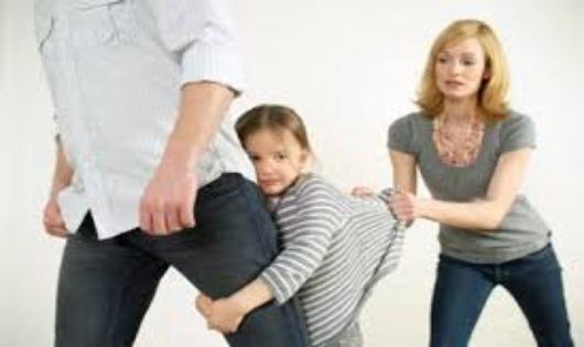 Đồng ý chia tay nhưng tranh chấp nuôi con có được công nhận là thuận tình ly hôn?