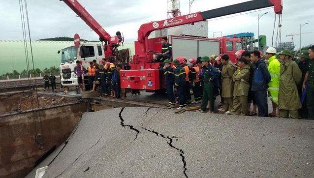 Xuất hiện 'hố tử thần' trong bão số 2 khiến 2 người chết, 3 người bị thương