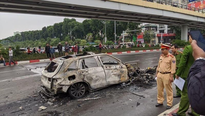 Đã xác định được danh tính nạn nhân bị ô tô Mercedes tông tử vong