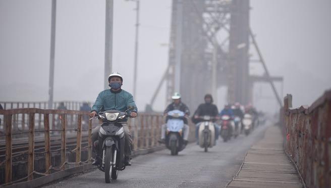 'Nên khuyến cáo phụ huynh và học sinh về ô nhiễm không khí'