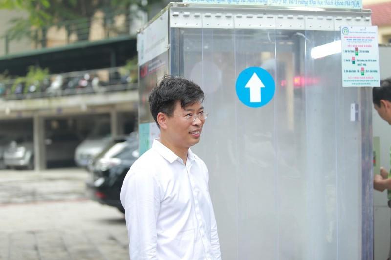 Việt Nam chế tạo thành công buồng khử khuẩn toàn thân