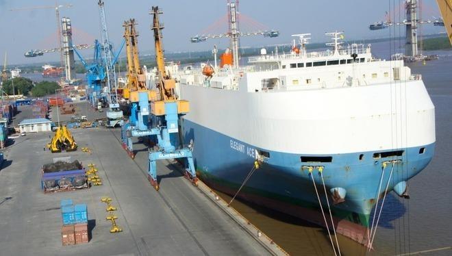 Tàu biển Ro-Ro.