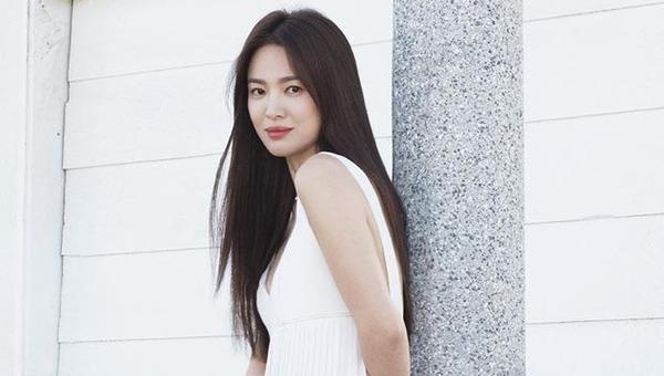 Hậu ly hôn, Song Hye Kyo lộ vòng eo con kiến, vòng một gợi cảm