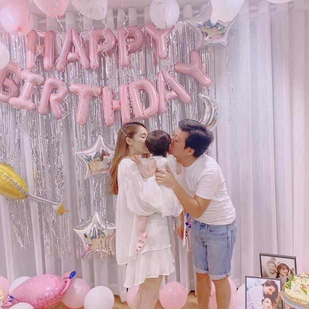 Không còn giấu giếm, Trường Giang chính thức khoe ảnh con gái đầu lòng nhân dịp sinh nhật tuổi 37 - Ảnh 2.