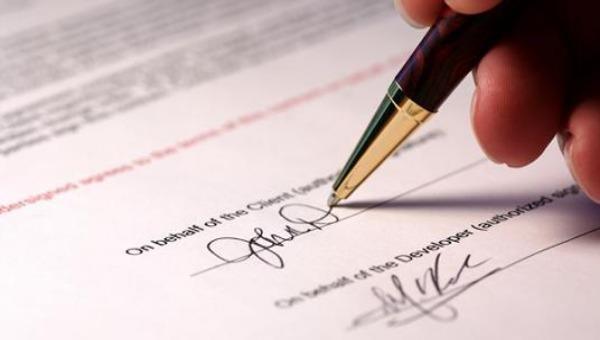 Giả mạo chữ ký nhằm chiếm đoạt tài sản bị xử phạt thế nào?
