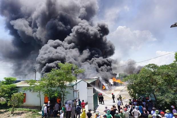 Thanh Hóa: Cháy lớn tại khu công nghiệp Tây Bắc Ga - Ảnh 2.