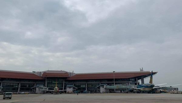 Nhân viên vệ sinh bị xe bán tải VAECO đâm tử vong tại sân bay Nội Bài
