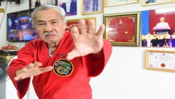 NSND Lý Huỳnh là võ sư nổi tiếng miền Nam trước 1975 và là ngôi sao võ thuật của điện ảnh