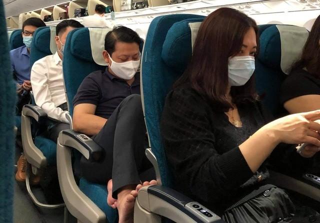 Vụ đốt khăn trên máy bay: Hành khách có được phép mang theo bật lửa? - 2