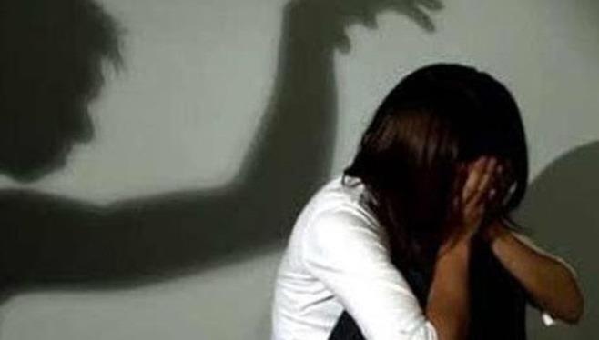 Thanh niên 26 tuổi nhiều lần quan hệ tình dục với bé gái 15 tuổi đã bị khởi tố