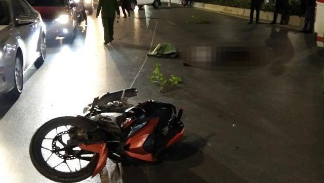 Nam thanh niên lái xe máy tông chết 2 người đi bộ trên đường Nguyễn Trãi