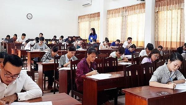 Hà Nội tạm dừng tổ chức tuyển dụng công chức, viên chức để phòng dịch Covid-19