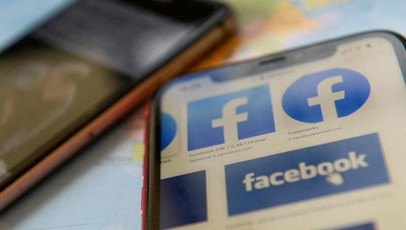 Hình ảnh Bác Hồ bị bóp méo trên kho ảnh GIF của Facebook: Trách nhiệm thuộc về ai?