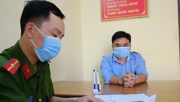 Nguyễn Minh Nhật tại cơ quan điều tra. Ảnh: Khắc Lịch.