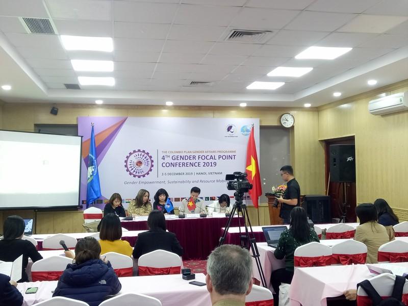 Hỗ trợ các quốc gia xây dựng trung tâm tư vấn pháp lý cho phụ nữ là nạn nhân của bạo lực gia đình