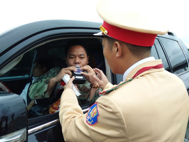 7 ngày Tết xử phạt  3.194 tài xế vi phạm nồng độ cồn.
