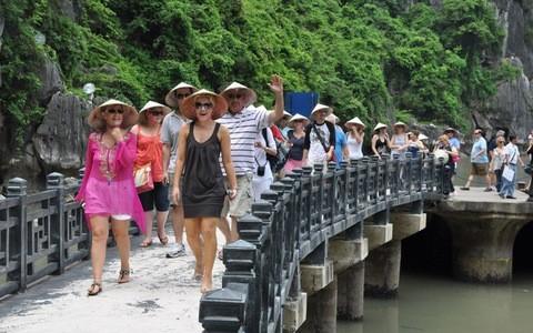 Bảo đảm an toàn cho du khách đến Việt Nam