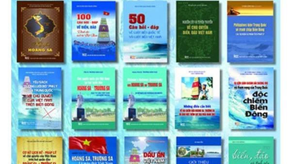 Bộ sách do NXB Thông tin và Truyền thông giới thiệu.