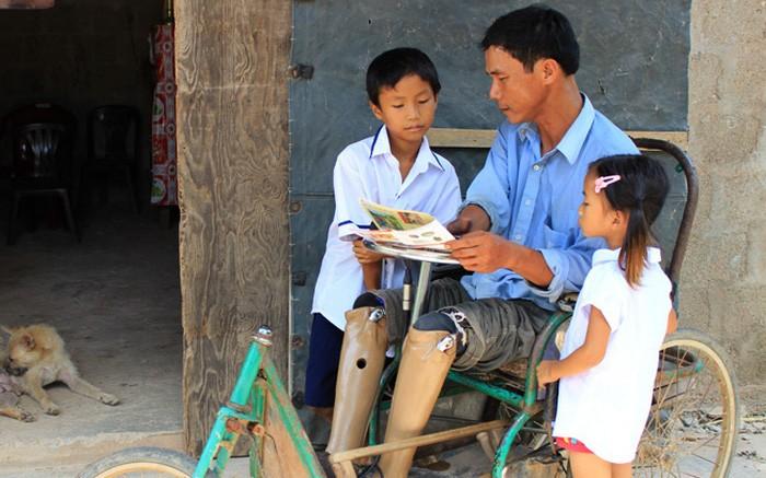 Bom mìn tồn sót ở Việt Nam đã làm hơn 40 nghìn người bị chết, 60 nghìn người bị thương, trong đó phần lớn là người lao động chính trong gia đình và trẻ em (ảnh minh họa).