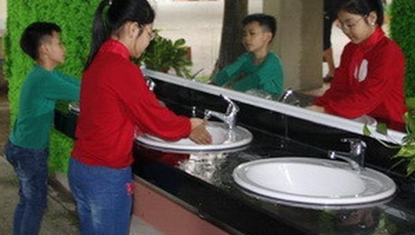 30% trường học ở Việt Nam thiếu nước sạch, điều kiện vệ sinh cá nhân, môi trường