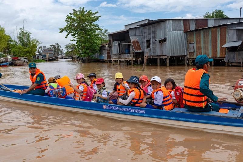 Trong thảm họa thiên tai, trẻ em, phụ nữ là những nhóm yếu thế và dễ bị tổn thương (ảnh minh họa)