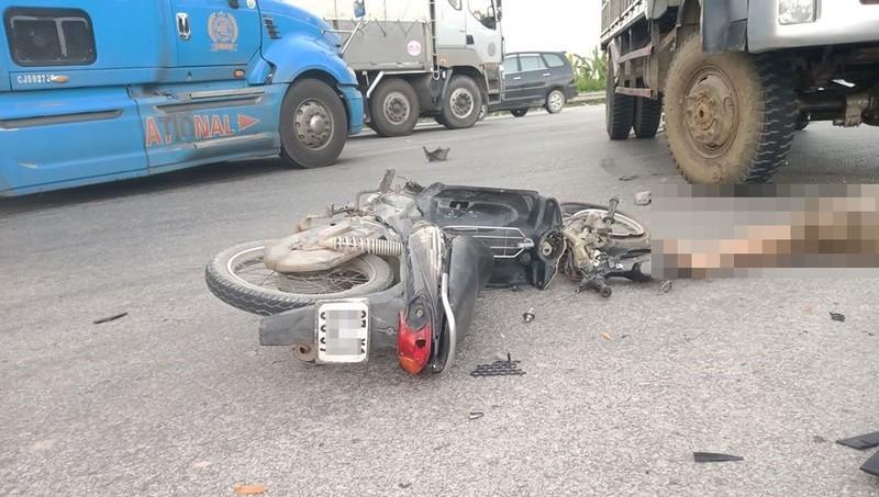 Va chạm với xe tải, người đàn ông tử vong