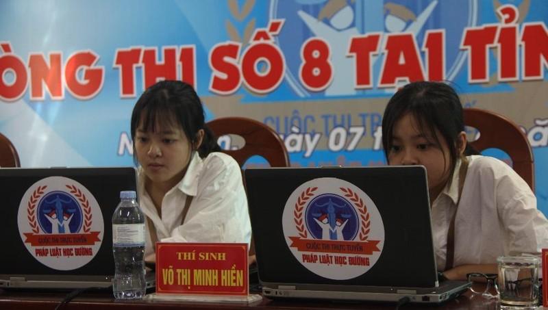 Các thí sinh tại Nghệ An tham gia vòng chung kết
