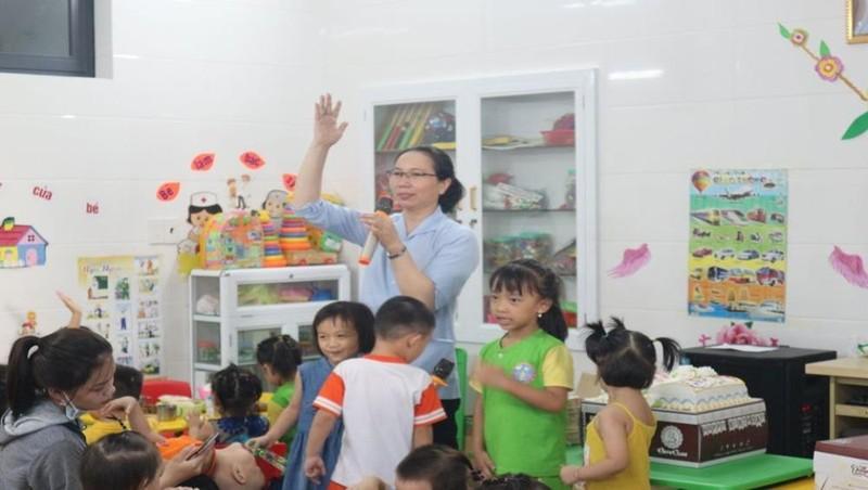 Hoạt động ngoài giờ của trường mầm non Lâm Bích (xã Nghi Phú, TP Vinh)
