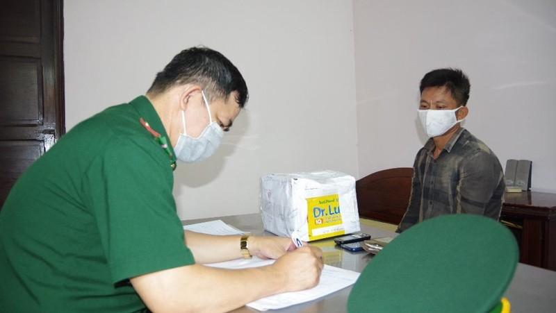Thu giữ 1 kg ma túy đá, 1.000 viên hồng phiến đang được đưa đi tiêu thụ ở các tỉnh phía Nam