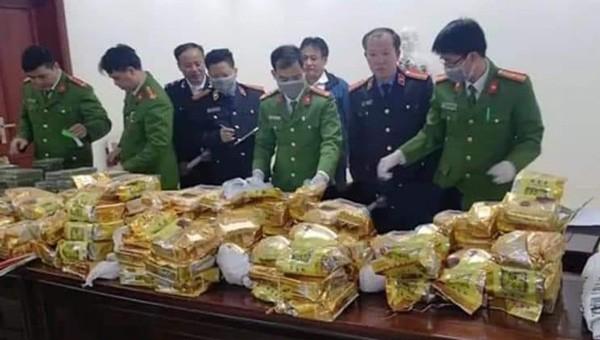 Công an Nghệ An bắt nhóm đối tượng Điện Biên nghi chở hơn 240 kg ma túy