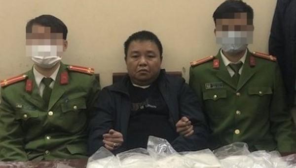 Công an Nghệ An bắt đối tượng Bắc Giang vận chuyển 19 bánh heroin